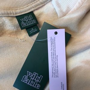 wild fable Tops - NWT Wild Fable Crop Sweatshirt